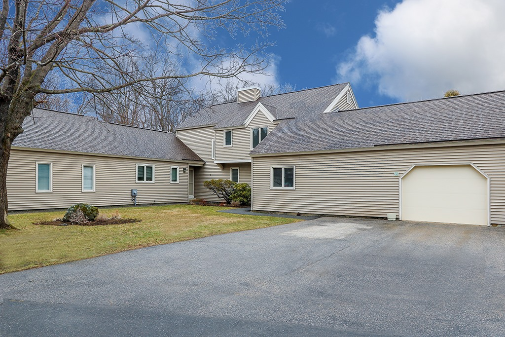 Front exterior photograph of 15 Astra in Wayland MA