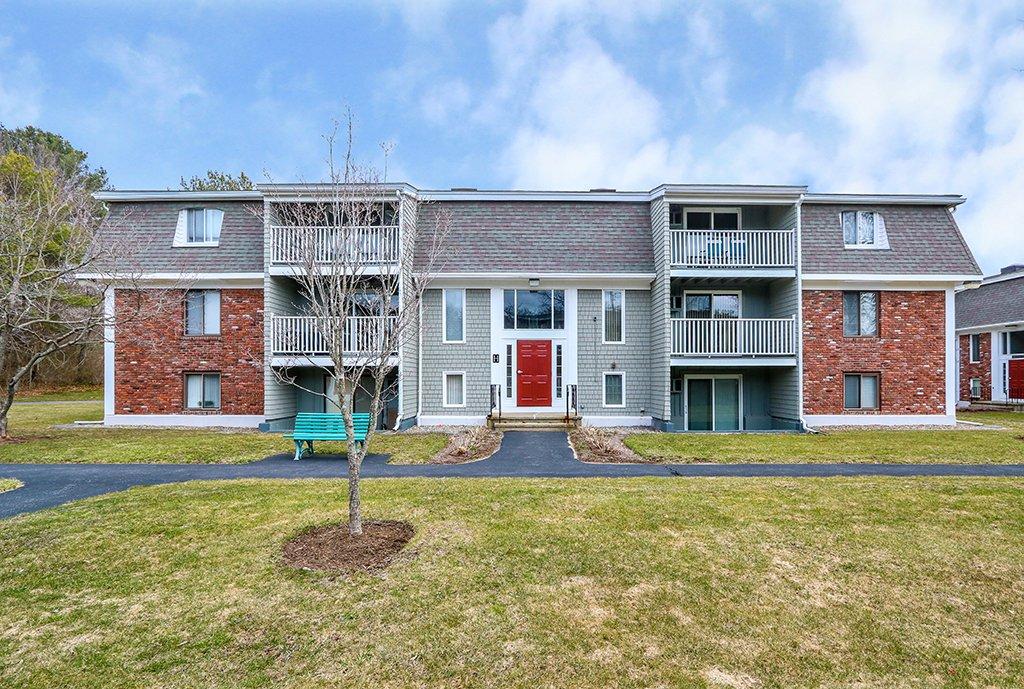 Exterior Photograph of 220 Bedford Street, Unit #12, Bridgewater MA