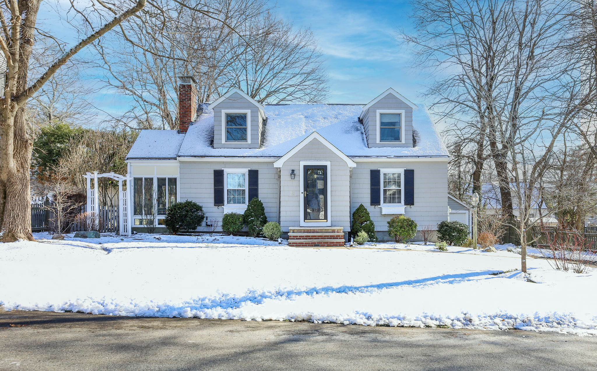 Front Exterior Photograph of 31 Circuit Road, Westwood MA