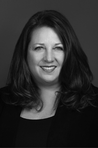 Headshot Photograph of Lisa Tracey